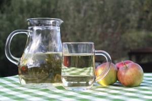 7 Incredible Health Benefits of Apple Cider Vinegar