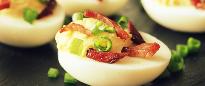 Bacon Cheddar Deviled Eggs – A New Twist On The Classic Recipe