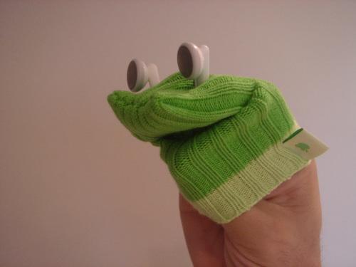 DIY iPod sock puppet