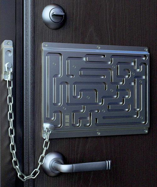 Labrynth lock @ ThinkGeek