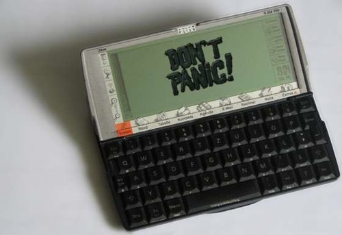 DON'T PANIC – A Wikipedia in your pocket