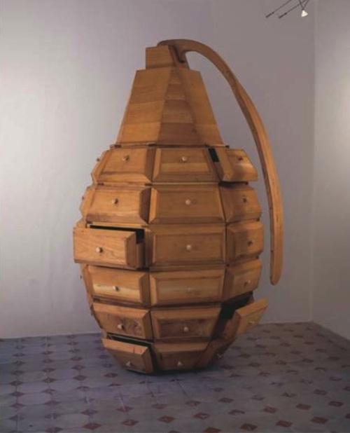 Los carpinteros – Grenade jewelry case