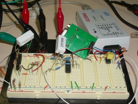 PIC-based project to monitor remote Wifi stations