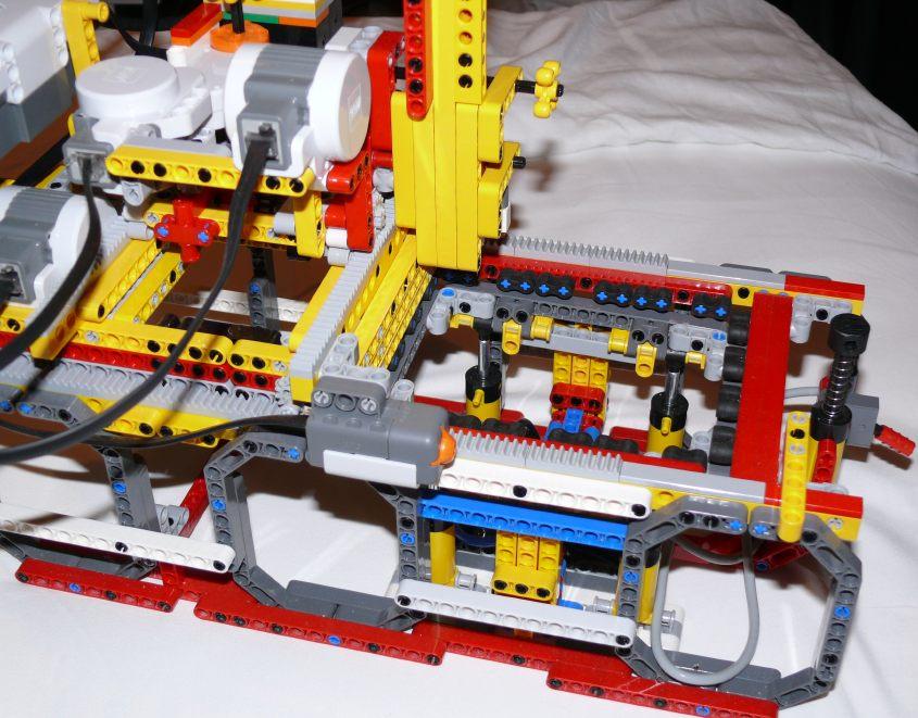 LEGO pin plotter
