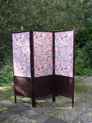 HOW TO – Wood & Fabric Room Divider