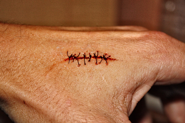 HOW TO , Realistic scar with stitches