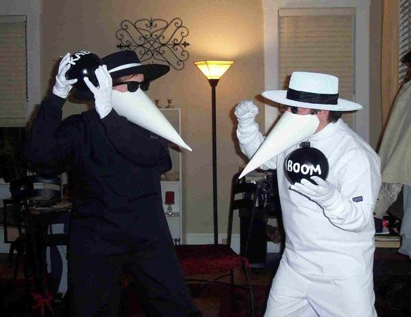 Spy vs Spy Halloween costumes