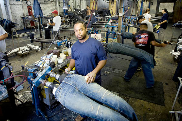 How distressed jeans are made