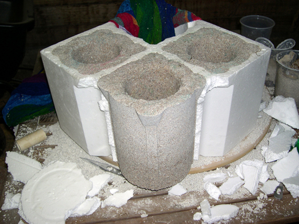 How-to: Cast concrete planters using packing inserts