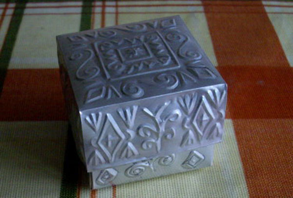 How-to: Tin box made from a can