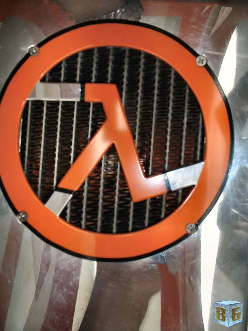 Benheck's PC Mod Pick of the Day – Half-Life 2 PC