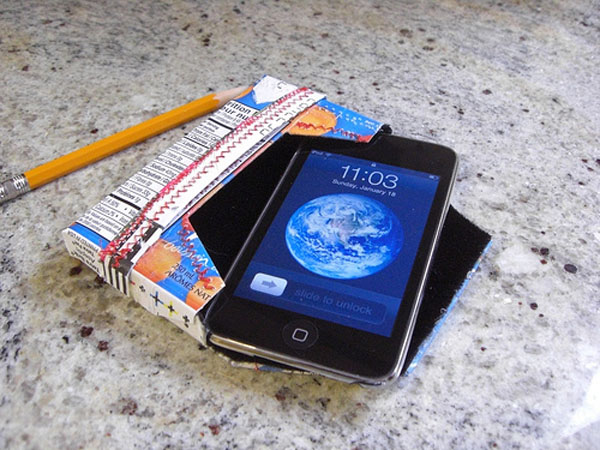 DIY iPod & iPhone cases made from juice boxes