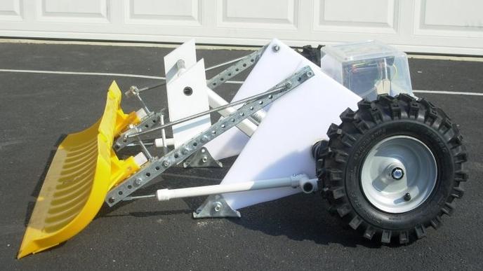 Autonomous snow shovel robot
