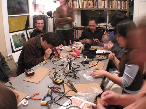 Phoenix DIY meeting this Saturday – papermaking workshop