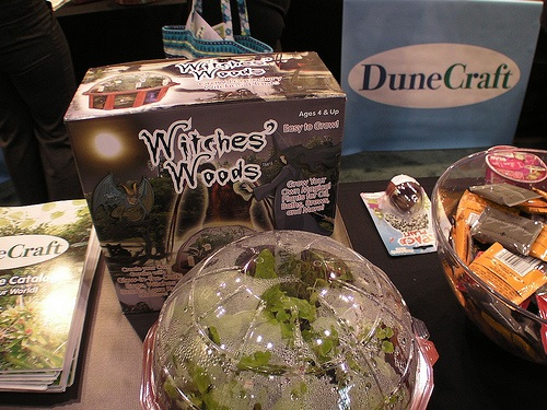 Dunecraft – Gothy gardening, peanut kits, science kits and sand that can't get wet…