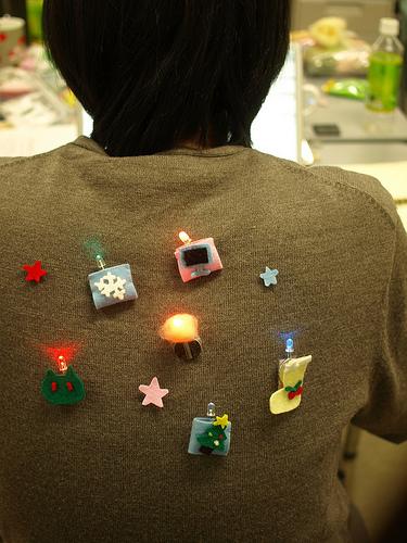 LED felt brooches