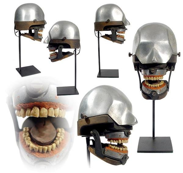 Dental training mannequins