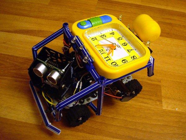 Mr. Wake, the uncatchable alarm clock robot