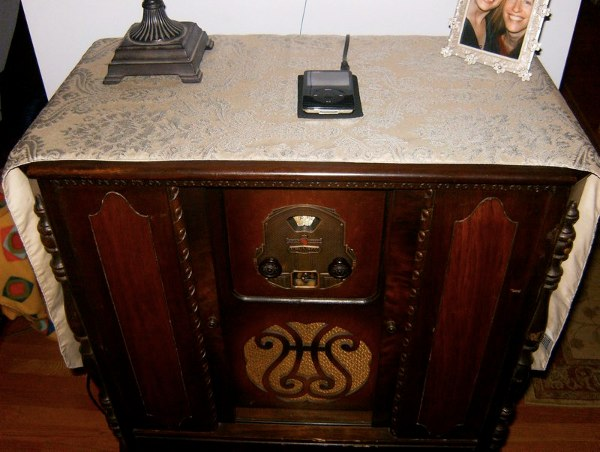 Bringing a '20s radio back to life