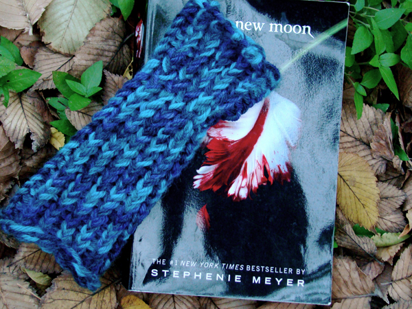 Knifty Knitter Loom-Along: Alice Wrist Warmers – Checkin' In and Q&As