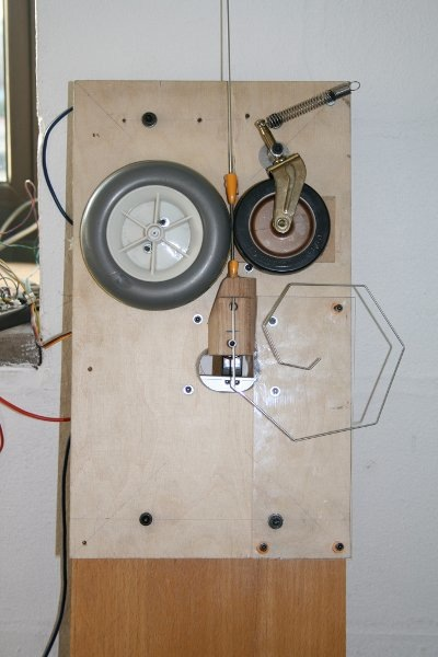 Curious wire bending machine