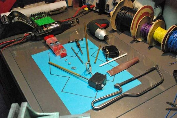 Lift heavy things with a modded servo