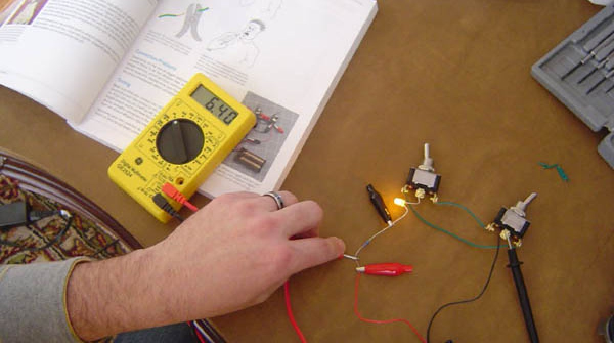 Jim Kellys Make Electronics Lab Update Electronic Circuit Journal Article Featured Image