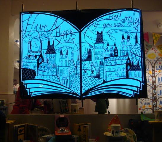 Electroluminescent papercraft