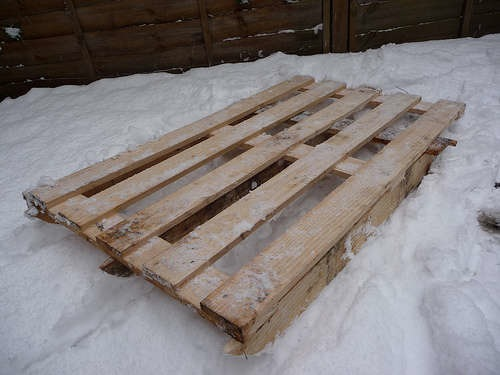 How-To: Sled from wooden pallet