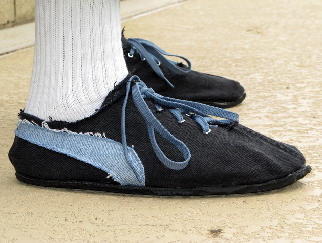 Retro-Style Running Shoes from Old Tires