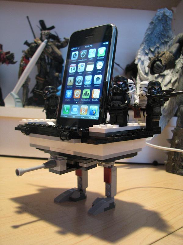 Star Wars LEGO iPhone dock
