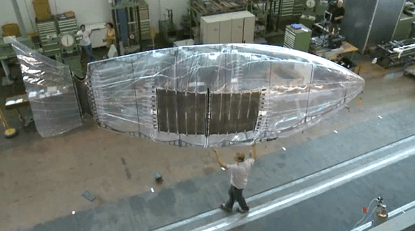 Airship controlled by electroactive polymers