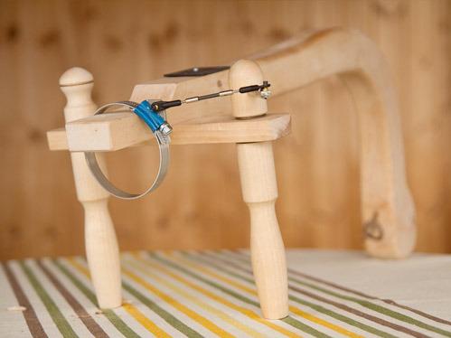 DIY shoulder rig for DSLR video, with clever focus puller