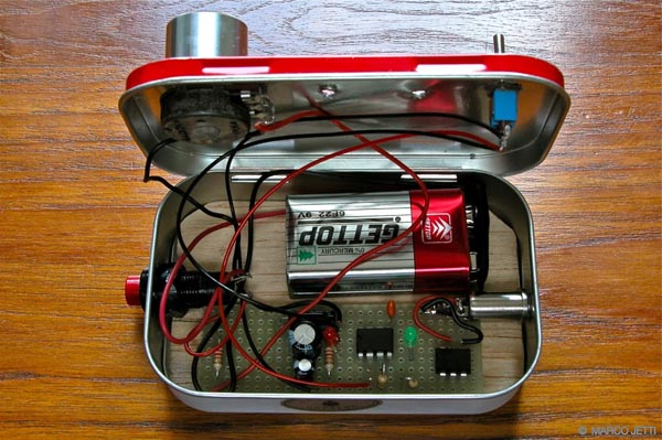 Mint-tin intervalometer