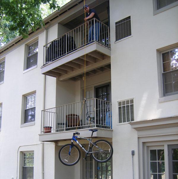 Flashback: Swiveling Balcony Hoist