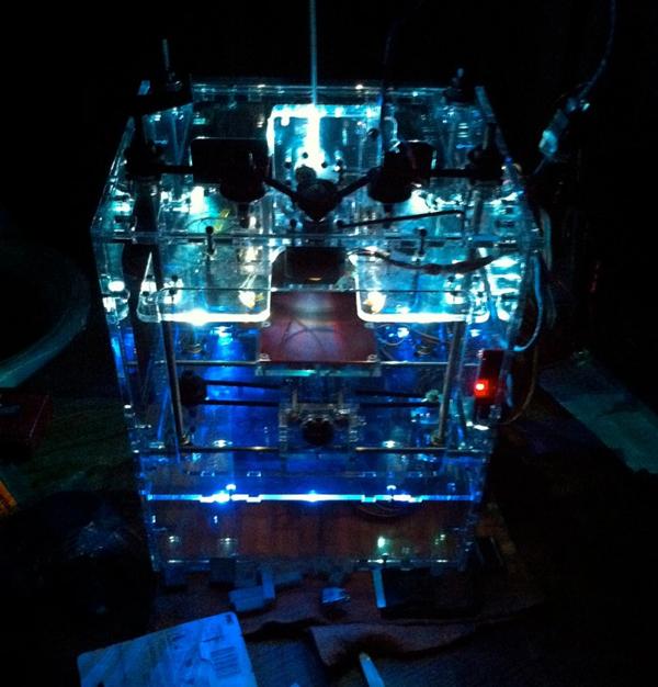LED-illuminated acrylic MakerBot