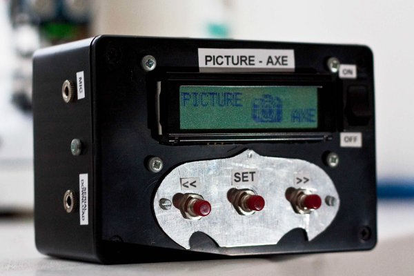 Building a sound-activated camera flash using a Picture-Axe