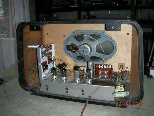 Biennophone radio from 1953, now with MP3