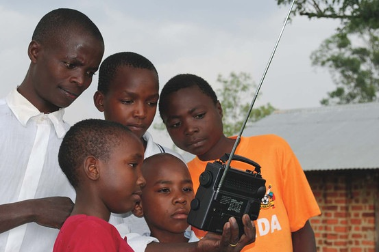 Maker challenge: FM radio kit for third world children