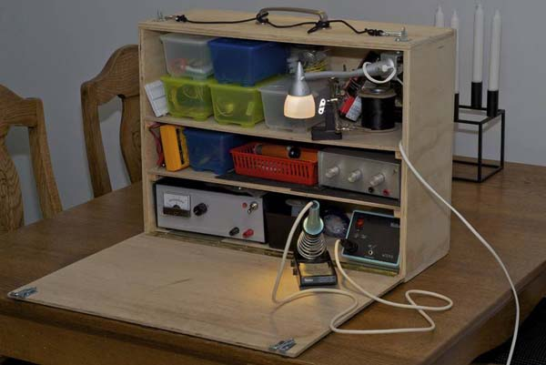 Portable electronics desk