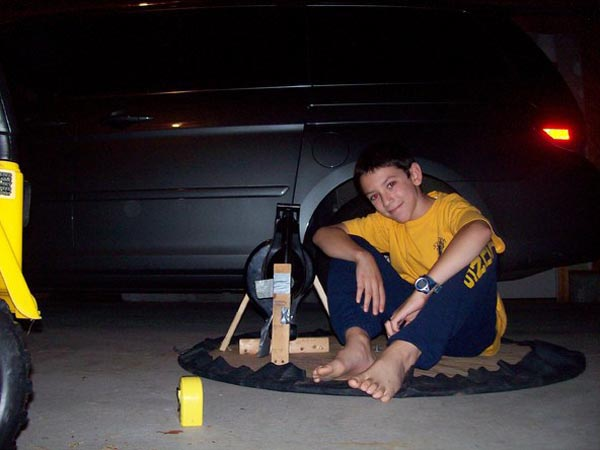 Ben Adase's Hovercraft build (Make: Projects)
