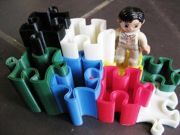 Interlocking puzzle bins on Thingiverse