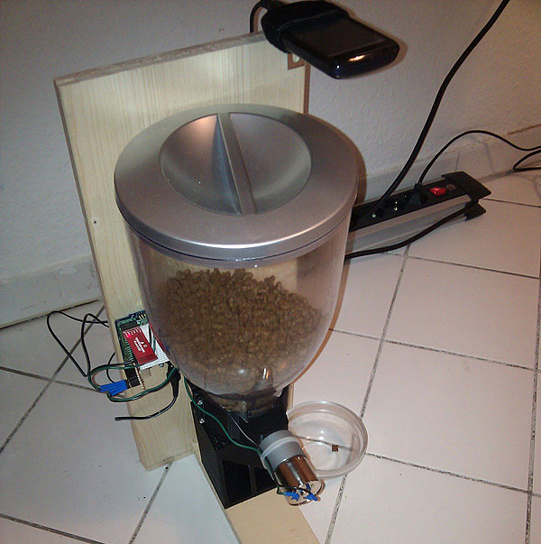 Android controlled cat feeder