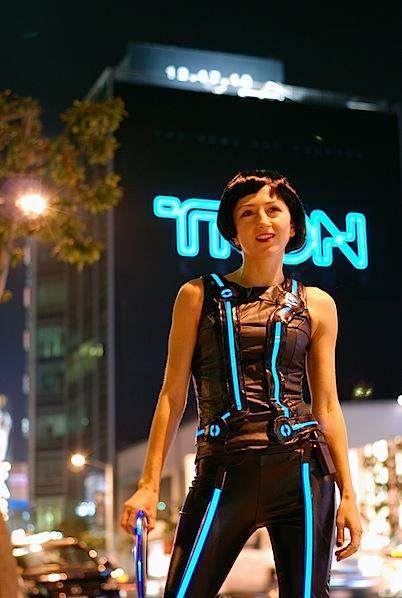 EL Tron costume