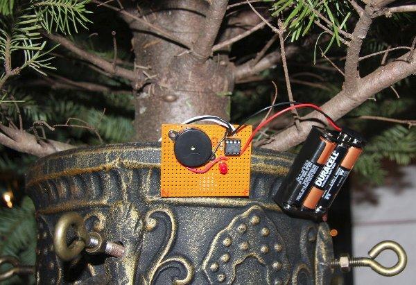Christmas tree water monitor