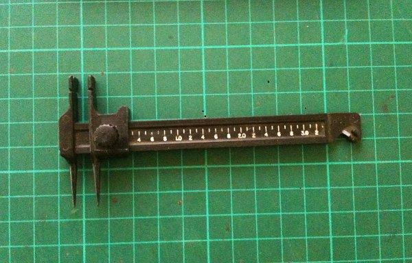 Adjustable resistor bending tool