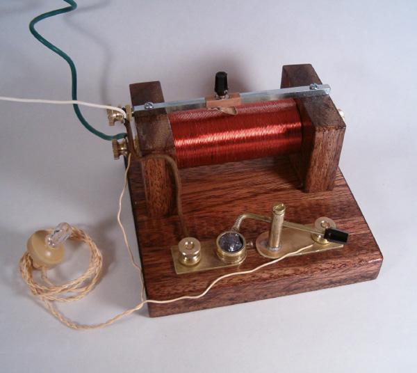 Lovely junk-built crystal radio