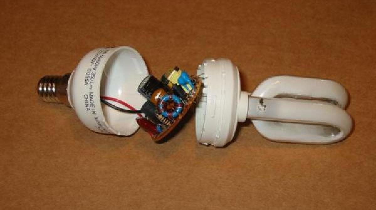 Circuitry, Anatomy, and Repair Tips for Common CFL Lamps | Make: