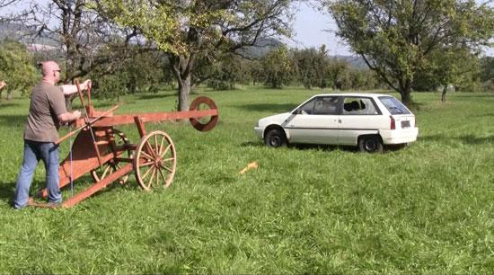 Cannon-Sized Slingshot Fires 80mm Steel Shot