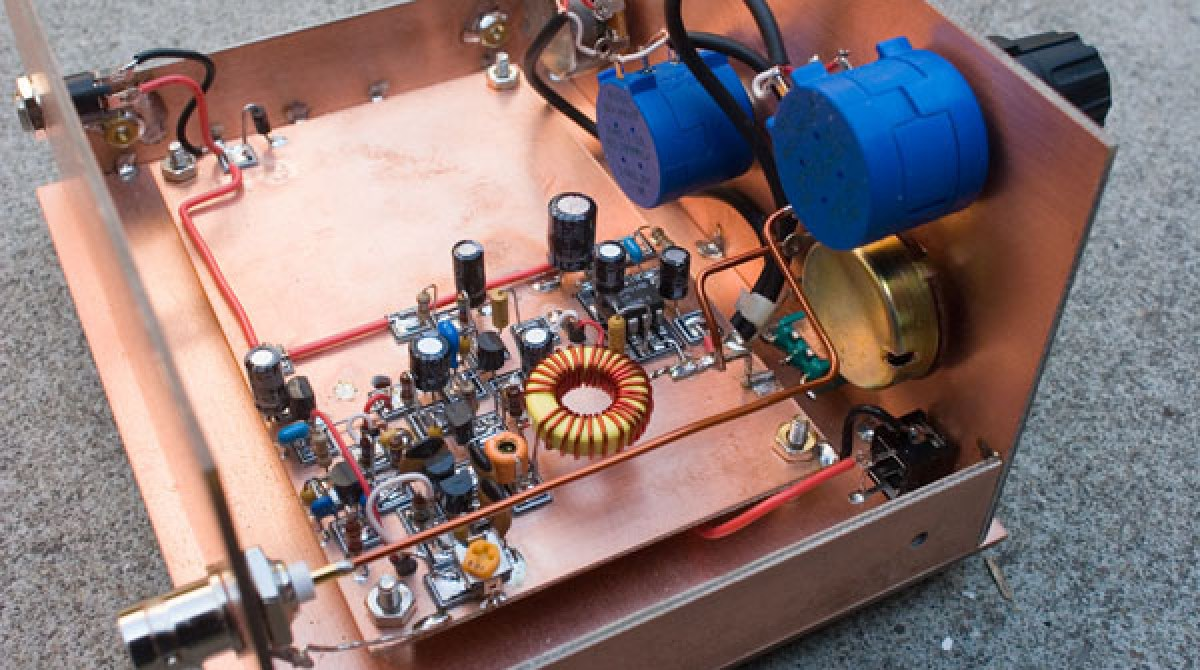 Manhattan Style Circuit In A Copper Cladding Chassis Make Electronic Design One Sided Clad Article Featured Image